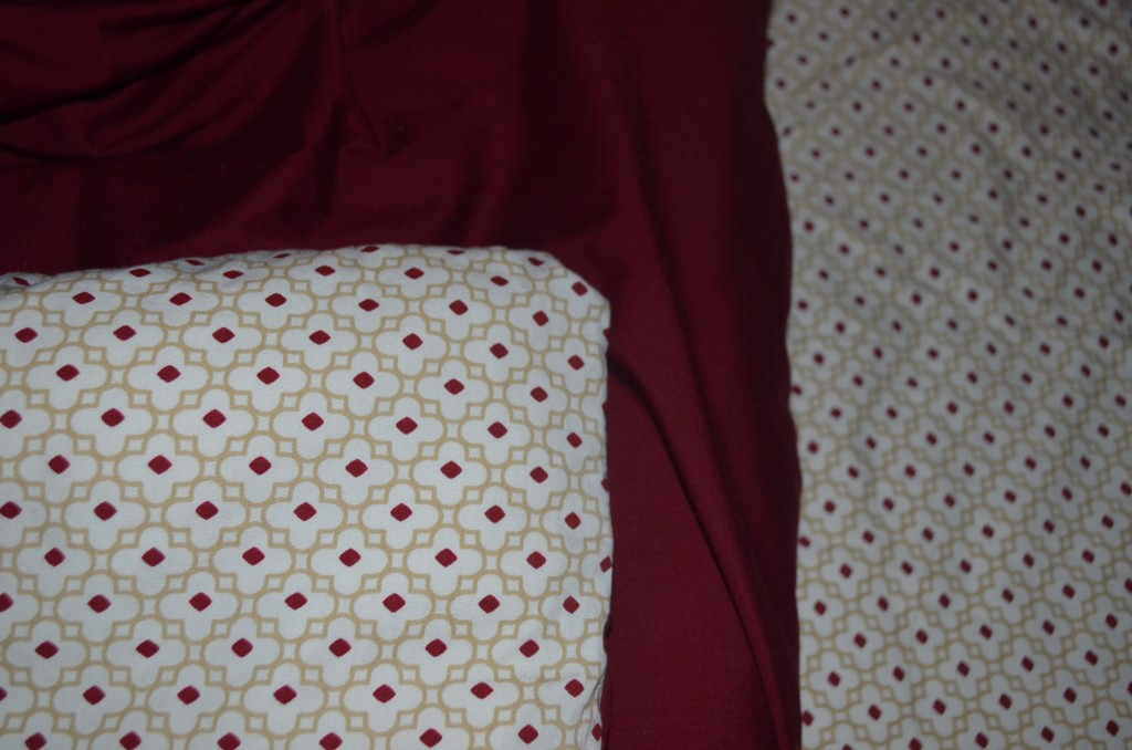 Close up of the duvet and coordinating sheet (back).